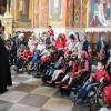 Alături de copiii cu nevoi speciale într-un pelerinaj la mănăstirea Curchi