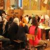 Consilierul Cultural al Mitropoliei Moldovei în discuție cu tinerii la biserica Universității